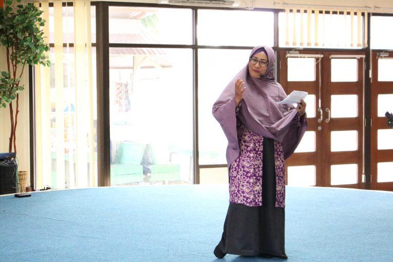 Menggali potensi para pegawai DPK melalui bercerita dan mendongeng asal usul Bontang