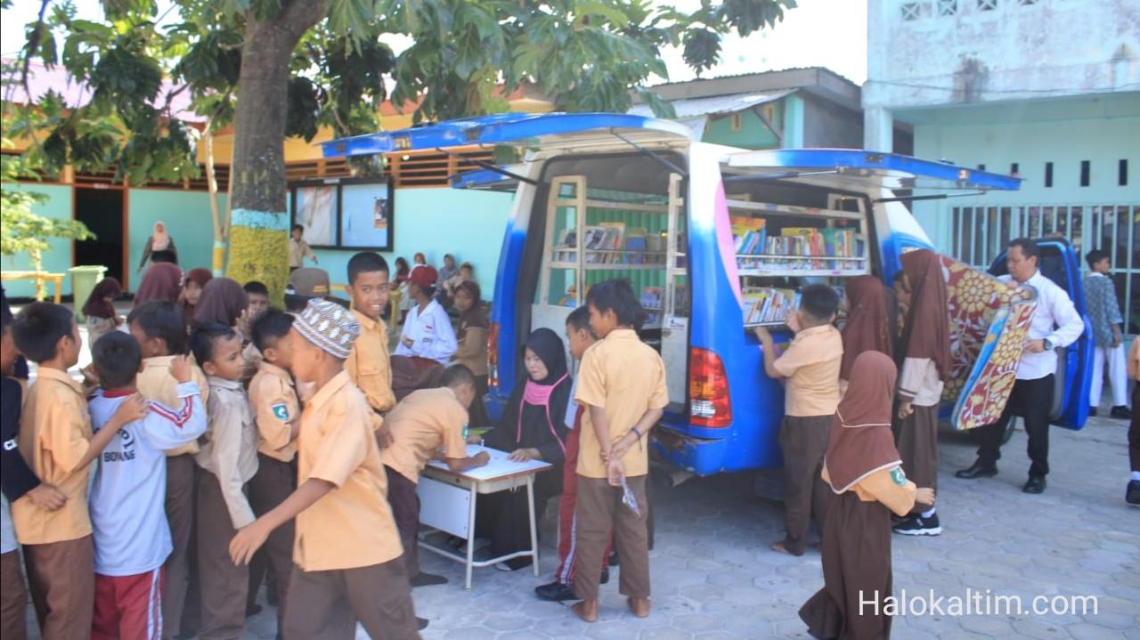 Kegiatan Rutin Perpustakaan Keliling Kota Bontang